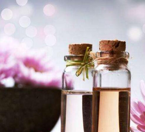 精油的副作用与使用禁忌有哪些 介绍10大雷区_玫瑰精油的功效与作用_精油有副作用吗