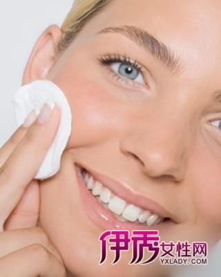 让你肌肤老的更快 女人6大化妆恶习