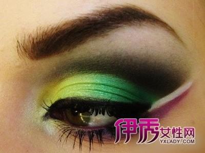 优雅撞色眼妆 瞬间迸发的美感