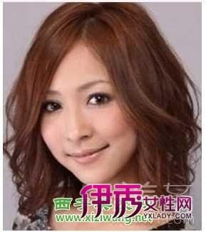2012女生头发多的长发发型 简单随性自然美