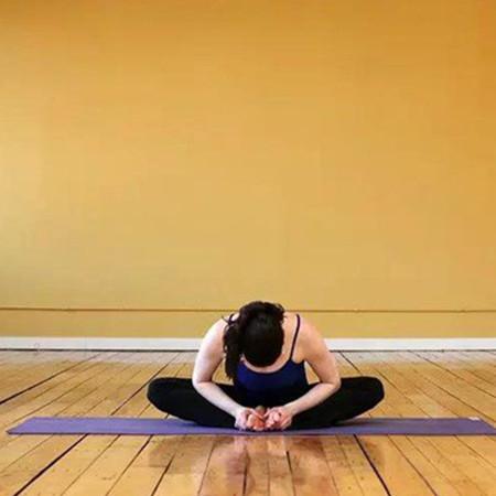 【图】教大家学习初级瑜伽动作图解 简单的入