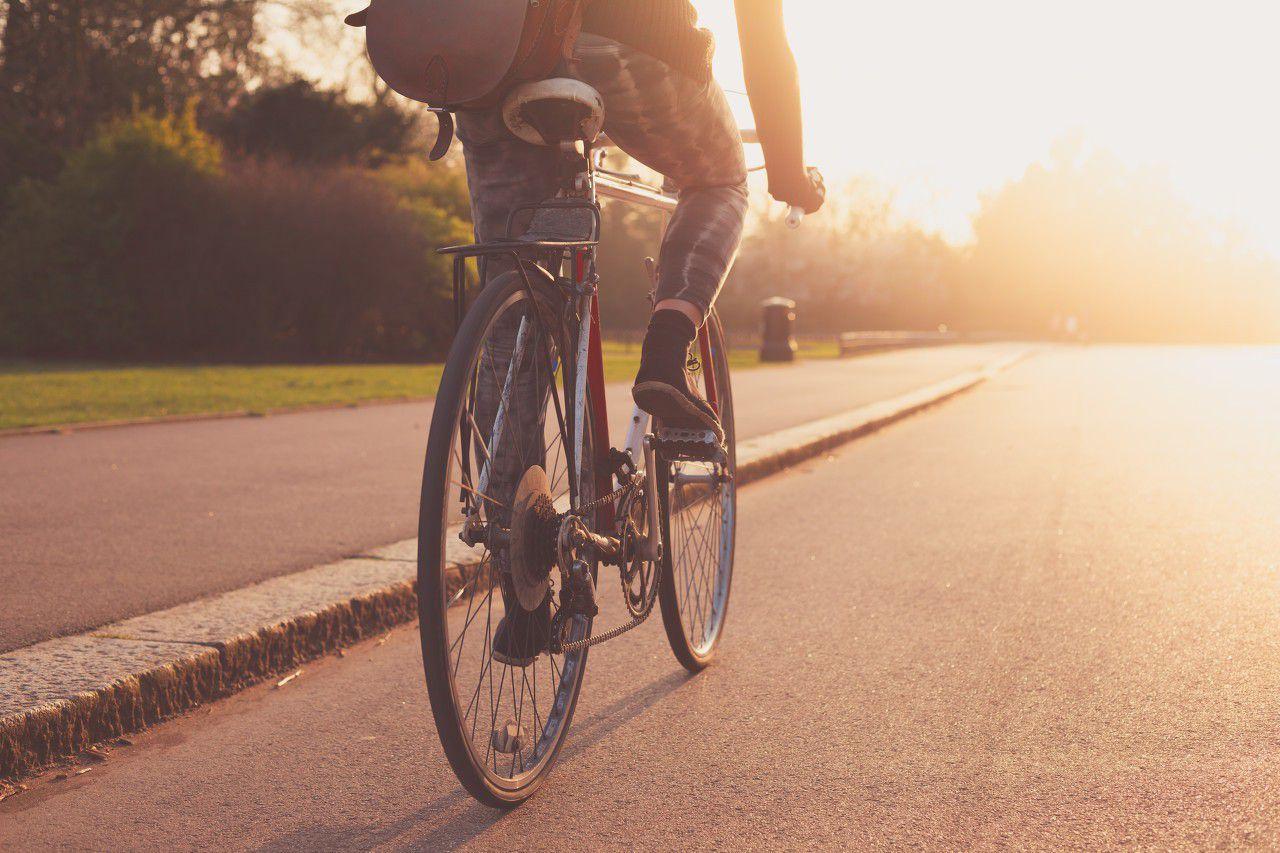 902172174228258884--骑自行车 运动 夕阳 骑单车.jpg