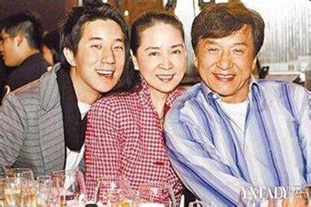 【图】成龙跟谁结婚了揭当年只是奉子成婚