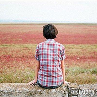 一个人走凄美背影男图片 背影的伤感